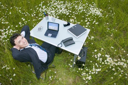 Travailler en plein air, la solution idéale à la dépression saisonnière ?